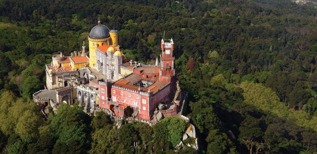 A bird's-eye view of Palácio de Pena, Sintra ©NES