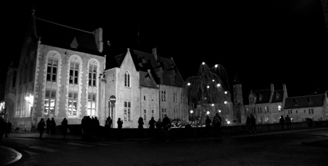 Bruges by night ©MLVB
