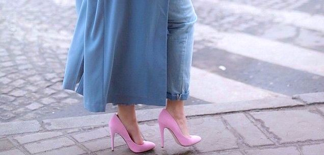 Why do pastel colors attract people in spring?
